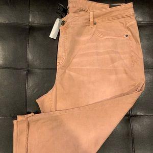 NWOT Lane Bryant 28R Girlfriend Cropped Jeans